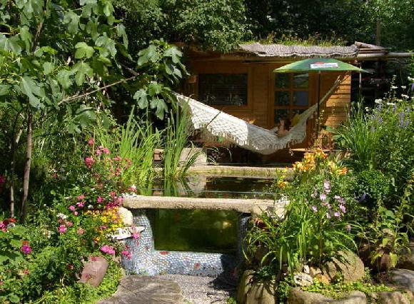 Gartenteich gestalten und einrichten gartenteich planen for Garten gestalten mit teich